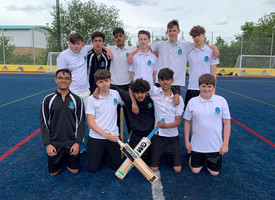 Year 9 and 10 Cricket v wren