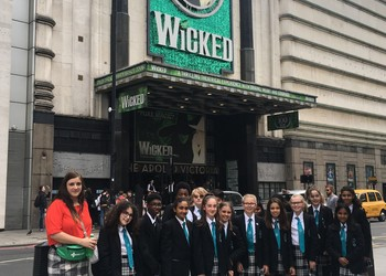 Vocal Group trip to Wicked