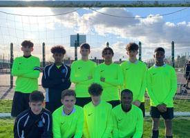 Year 10 boys football team photo 01