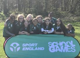 Y8 girls rugby team barnet photo 01